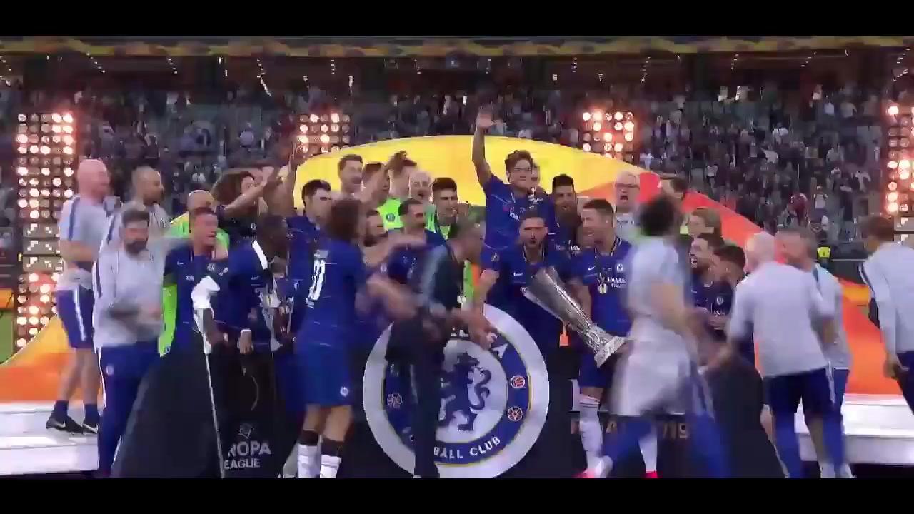 لحظه بالا بردن جام قهرمانی لیگ اروپا 2018/19 توسط بازیکنان چلسی