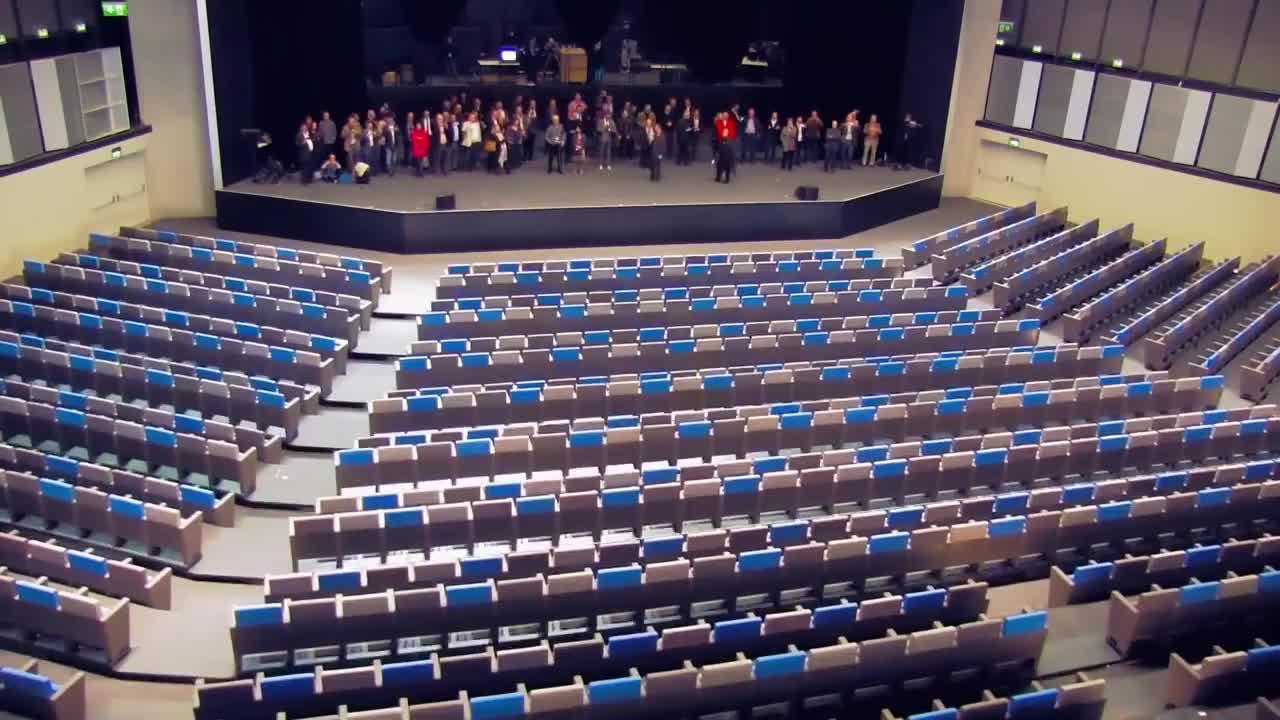 آمفی تئاتر تمام اتوماتیک Gala Venue
